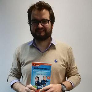 Fernando Summers, CEO de rastreator.com, ya tiene su GuíaBurros para autónomos