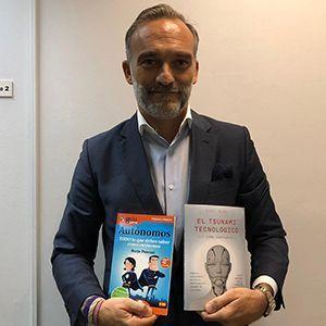 Ángel Bonet ya tiene su GuíaBurros para autónomos