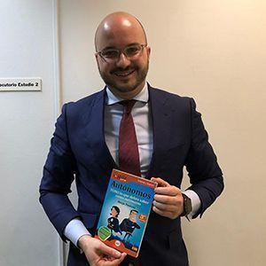 Fermín Albadalejo ya tiene su GuíaBurros para autónomos