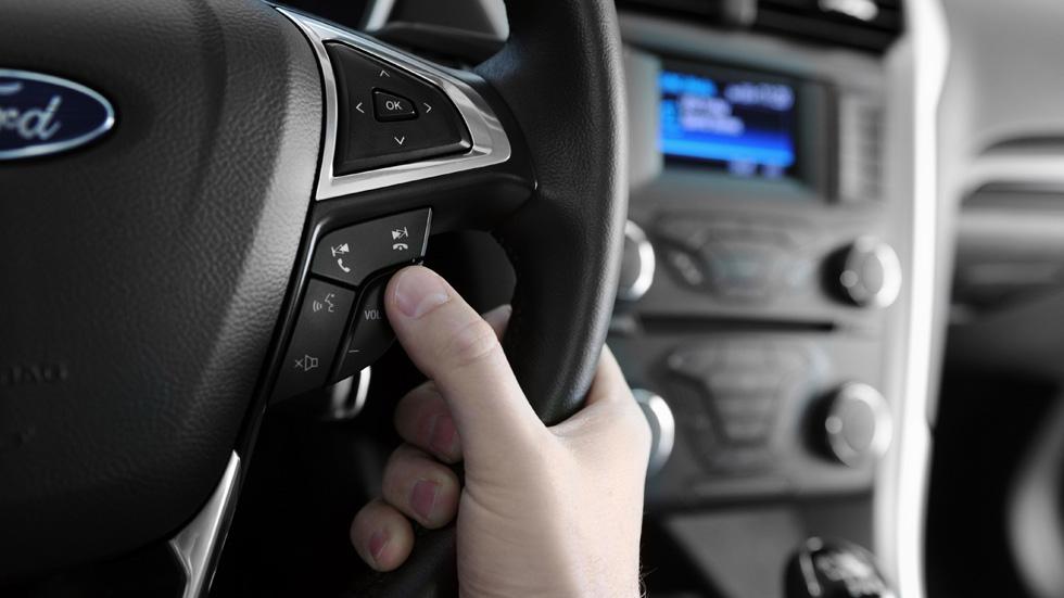 Asistentes de voz en el coche, ¿son peligrosos?