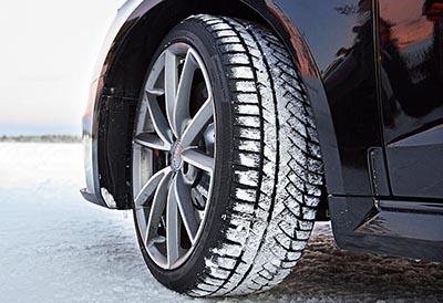 La mayor parte de los conductores usa neumáticos de verano todo el año