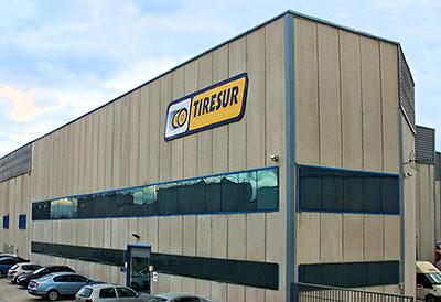 Tiresur alcanza los 650.000 neumáticos de stock
