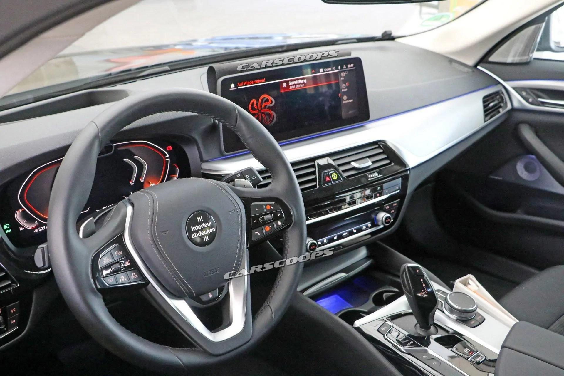 Nuova BMW Serie 5 2020 ecco gli interni del restyling