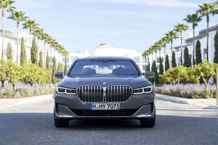Crisi BMW, tagliati 10.000 posti di lavoro