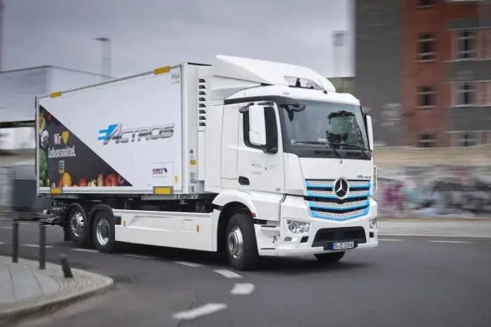 Mercedes-Benz eActros al via i test con Edeka