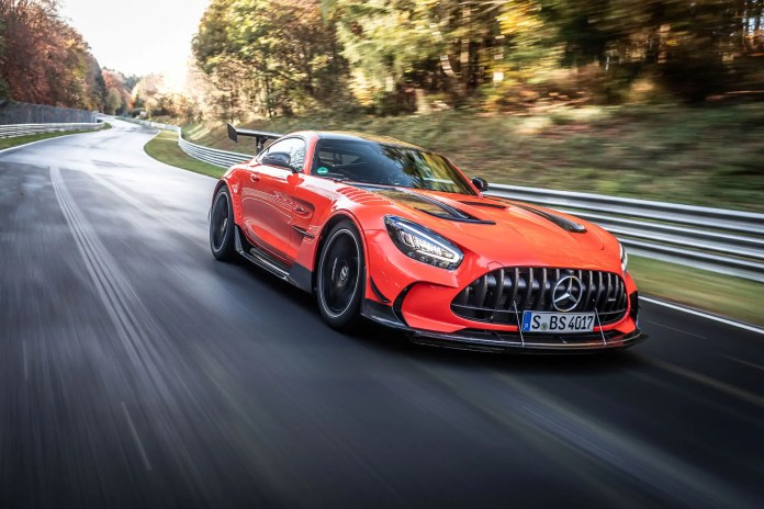 Record Mercedes-AMG GT Black Series! al Nurburgring in 6:43.616