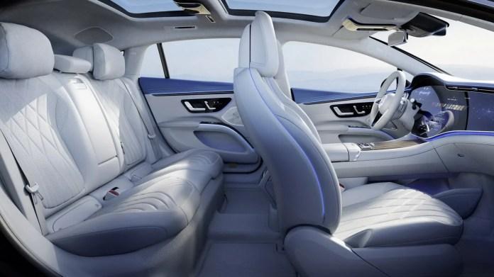 Mercedes EQS 2022, il gigantesco MBUX da 56 pollici!