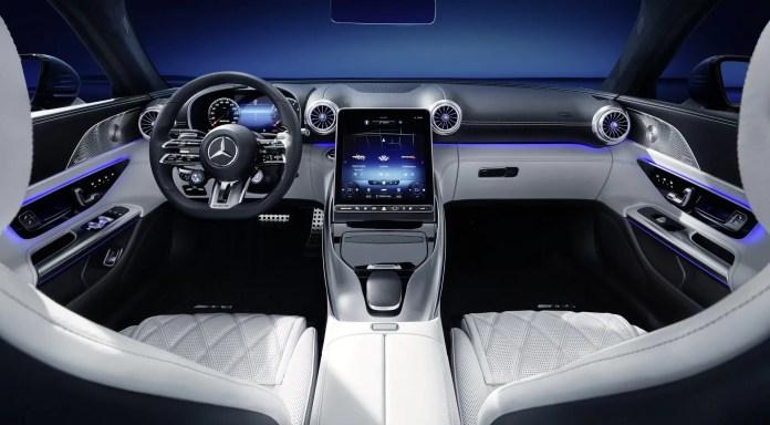 Nuova Mercedes-Benz SL 2021, gli interni in Anteprima