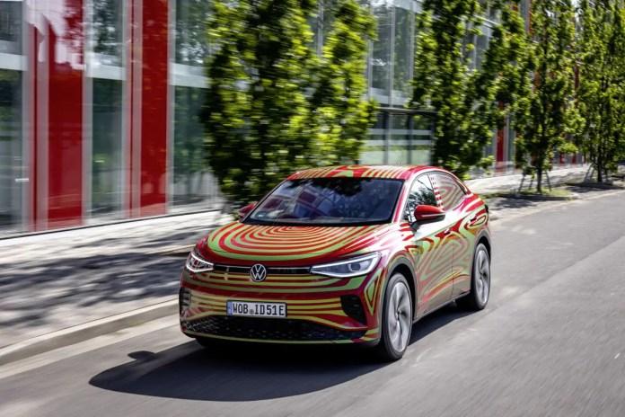 Nuova Volkswagen ID.5 GTX 2022, SUV elettrico coupé, foto, dati tecnici