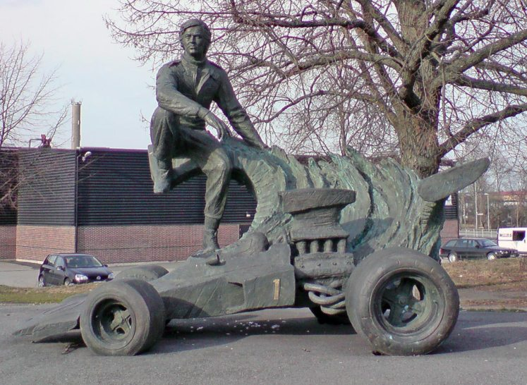 ronnie-peterson-statue