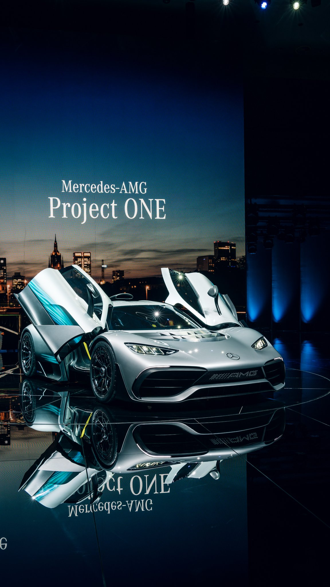 Mercedes amg project one hypercar with f1 dna auto for Mercedes benz project one