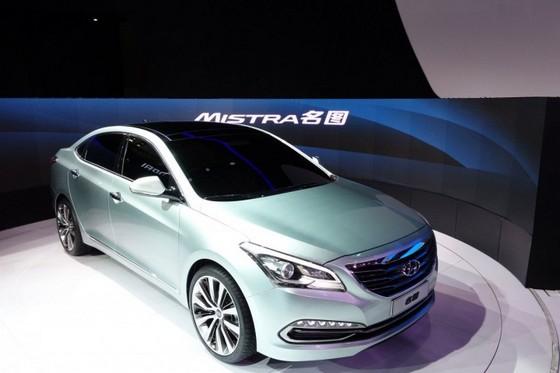 Hyundai-Mistra Hyundai Mistra: berlina a tre volumi dal nome classico