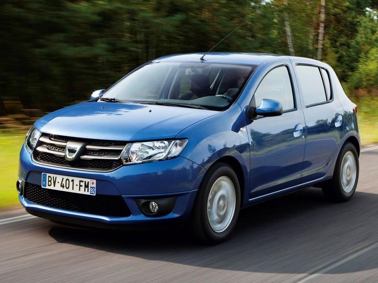 Dacia-Sandero-2015 Auto economiche a meno di 10.500 euro