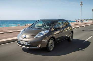 137025_1_5 Auto elettriche: aumenta l'autonomia di Nissan Leaf 2016