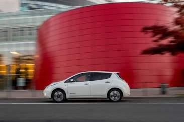 138579_1_5 Auto elettriche: aumenta l'autonomia di Nissan Leaf 2016