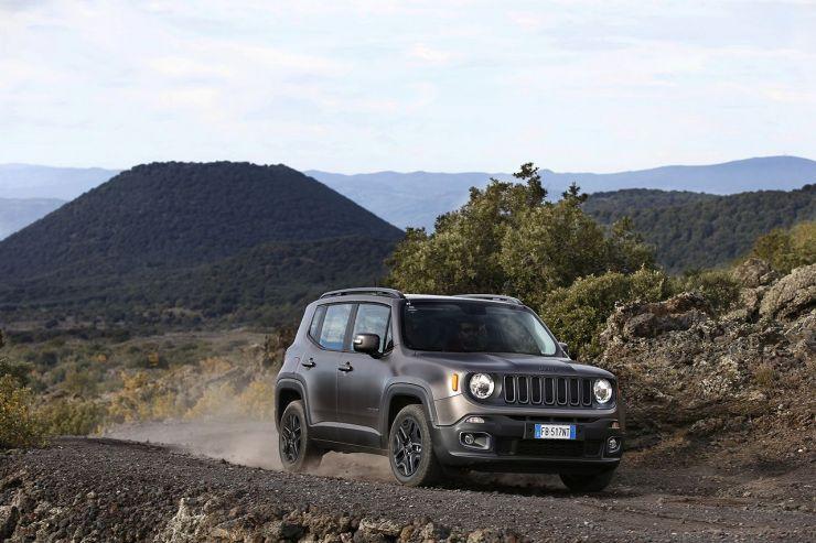 160112_Jeep_Renegade-Night-Eagle_05 SUV Economici: Nuovi Modelli sotto i 20.000 Euro