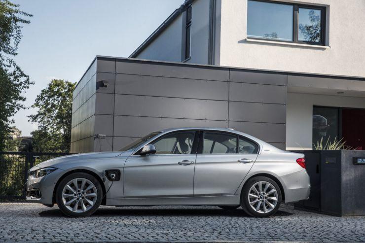 BMW-330e-ipermormance Auto Ibride: Modelli in Commercio nel 2017 con Prezzi e Foto