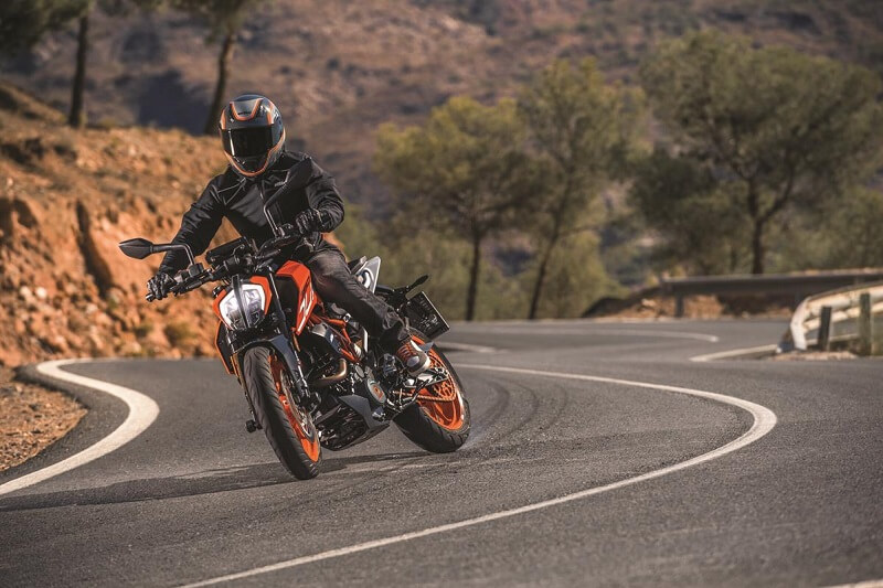 KTM Duke 390 and 200 is set to launch on 23 Feb.
