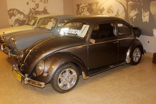 Une Cox 1200 de 1957