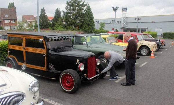 Tiens : des amateurs de hot rod ?