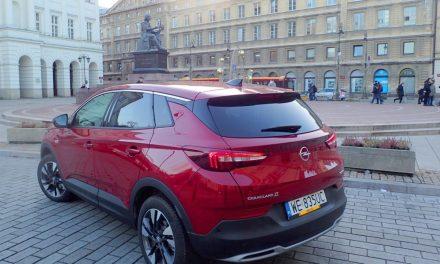 Opel Grandland X: Oszczędnie i lajfstajlowo