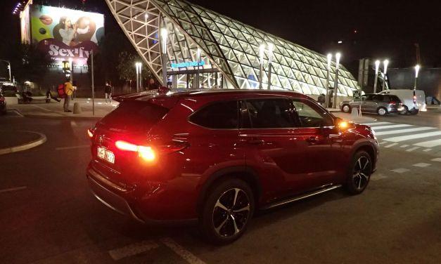 Toyota Highlander – Rodzinna forteca