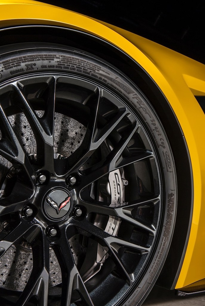 The available Z07 Performance Package on the 2015 Corvette Z06 includes Michelin Pilot Super Sport Cup tires, and Brembo carbon ceramic-matrix brake rotors.