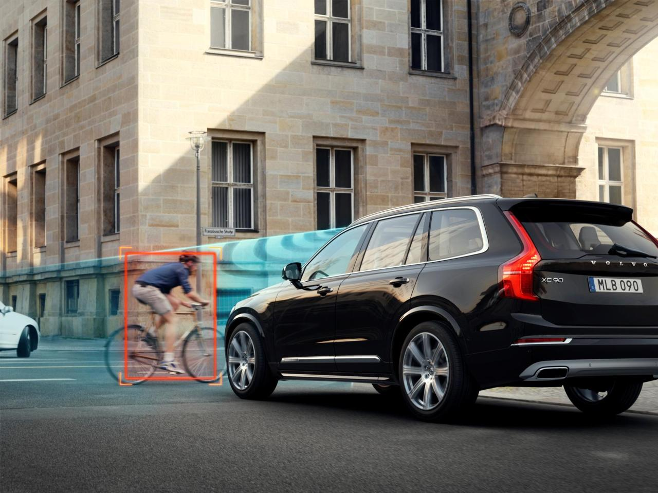 The 2014 Volvo XC90 features the City Safety system.