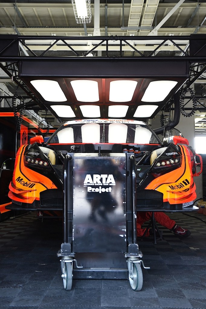SUZUKA, JAPAN - AUGUST 31:  #8 ARTA NSX CONCEPT-GT in the pit before the race during the 2014 AUTOBACS GT Round 6 43rd International 1000km - Final Race at Suzuka Circuit on August 31, 2014 in Suzuka, Japan.  (Photo by Atsushi Tomura/Getty Images for MOBILITYLAND)