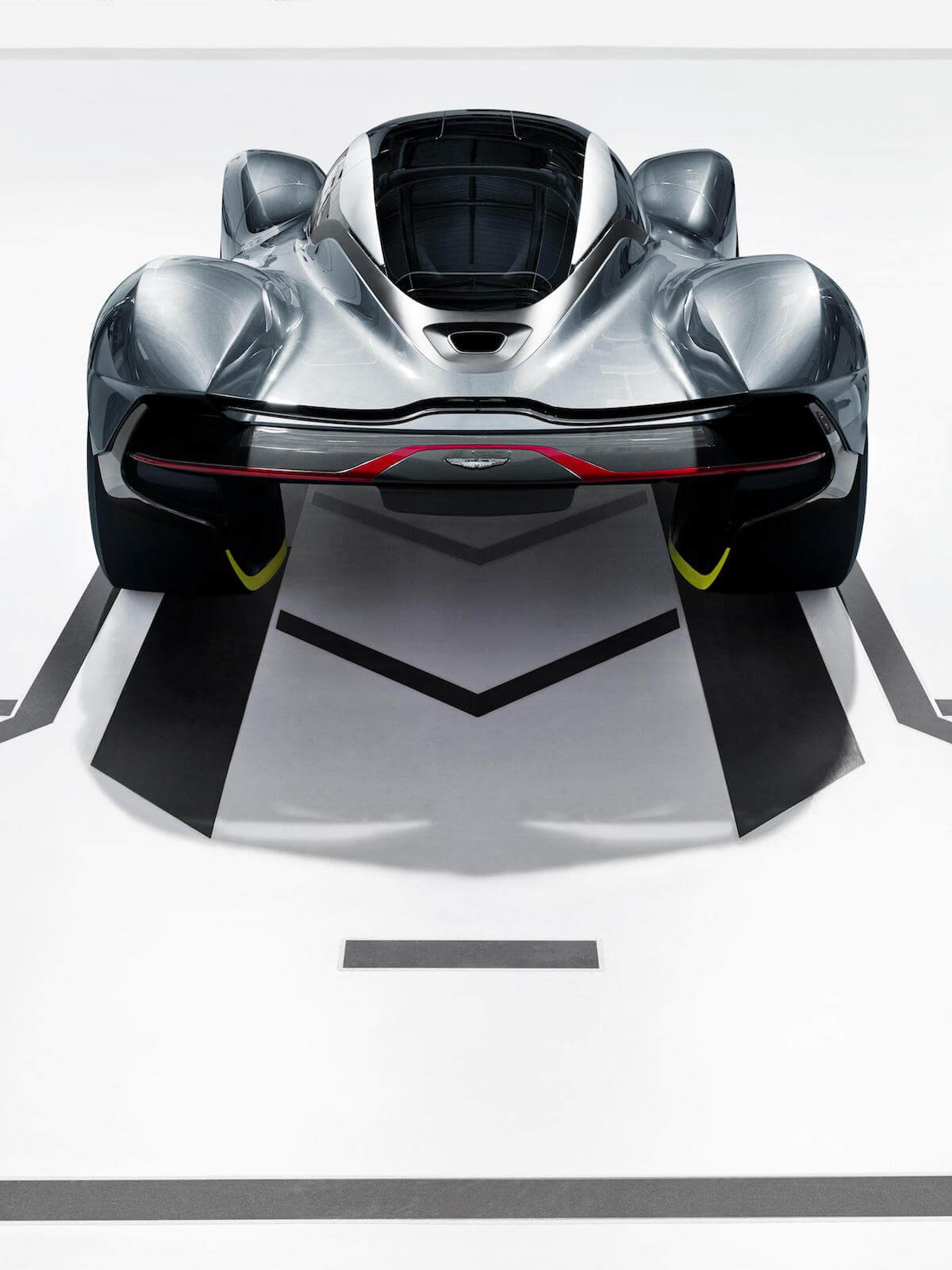 Aston Martin Red Bull AM-RB 001 Hypercar 4