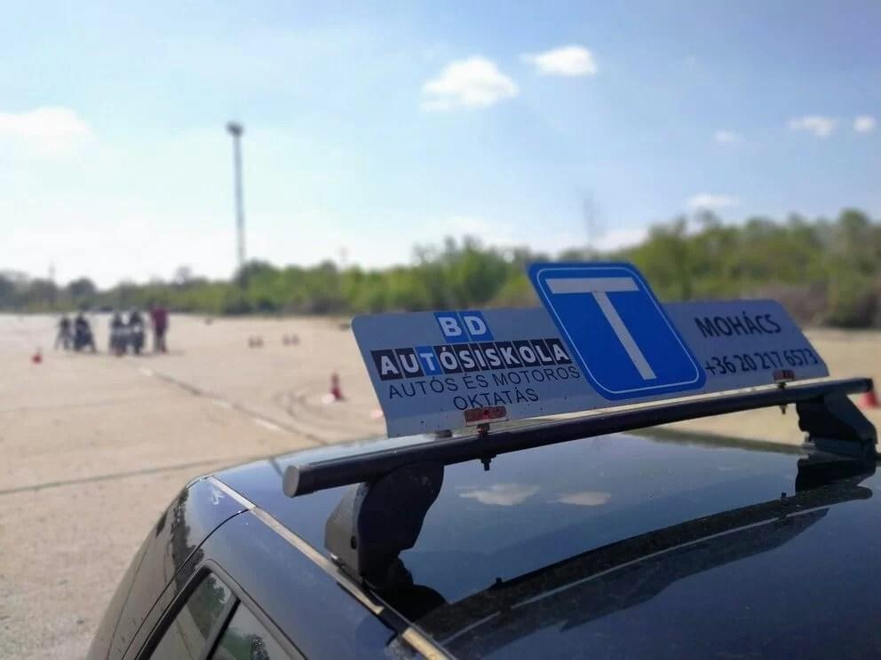 BD Autósiskola motoros E-learning KRESZ tanfolyam gyakorlás - rutinpálya Mohács