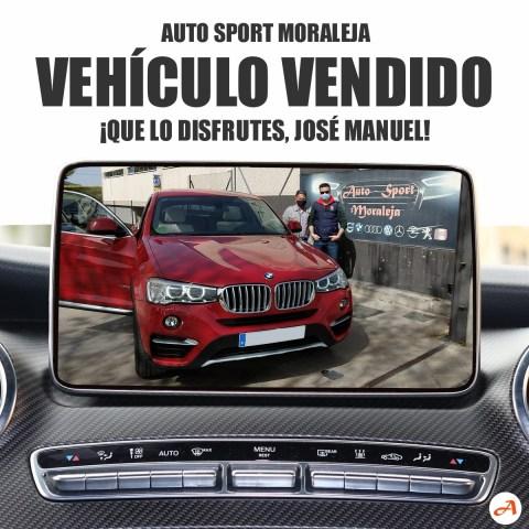 José Manuel en el momento de la entrega de su nuevo BMW X4