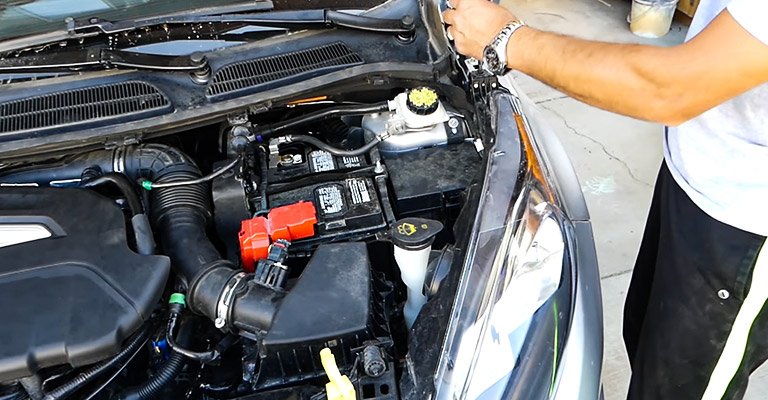 When and Why to Remove Windshield Wiper Fluid Tank