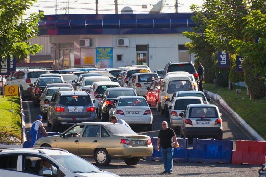 Минфин пригрозил санкциями, если заправки не вернут старые цены на метан и пропан