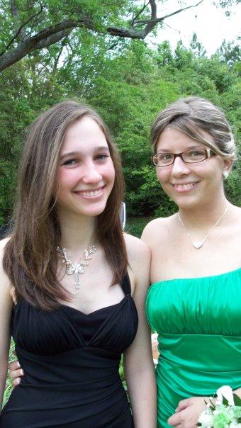 Lesbian Prom Gallery Heartwarming Photos Of Girls Taking