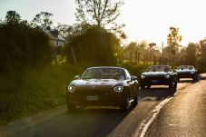 170424_Fiat_124_Spider_sweeps_France_07
