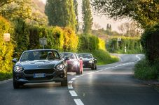170424_Fiat_124_Spider_sweeps_France_08