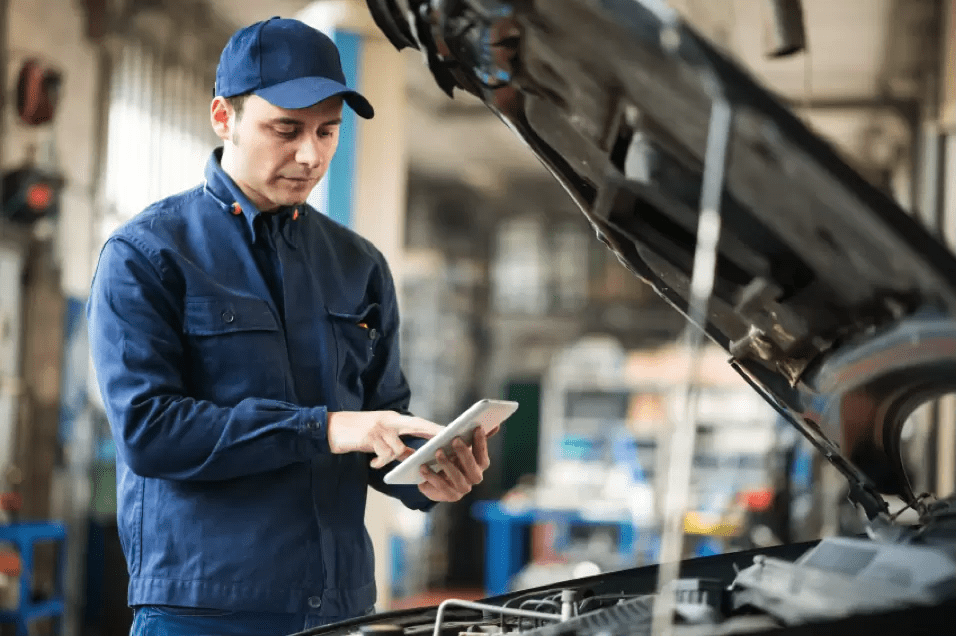 How to Answer Common Automotive Service Advisor Interview Questions