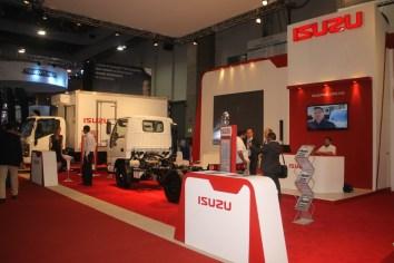 Isuzu exhibe su gama de productos en Logistic Summit 2016