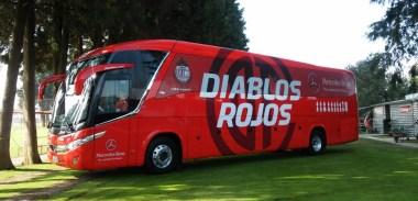 Mercedes-Benz transporta al Club Toluca