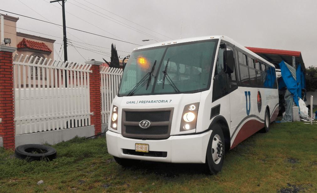Entrega DINA unidades en Jalisco y Nuevo León