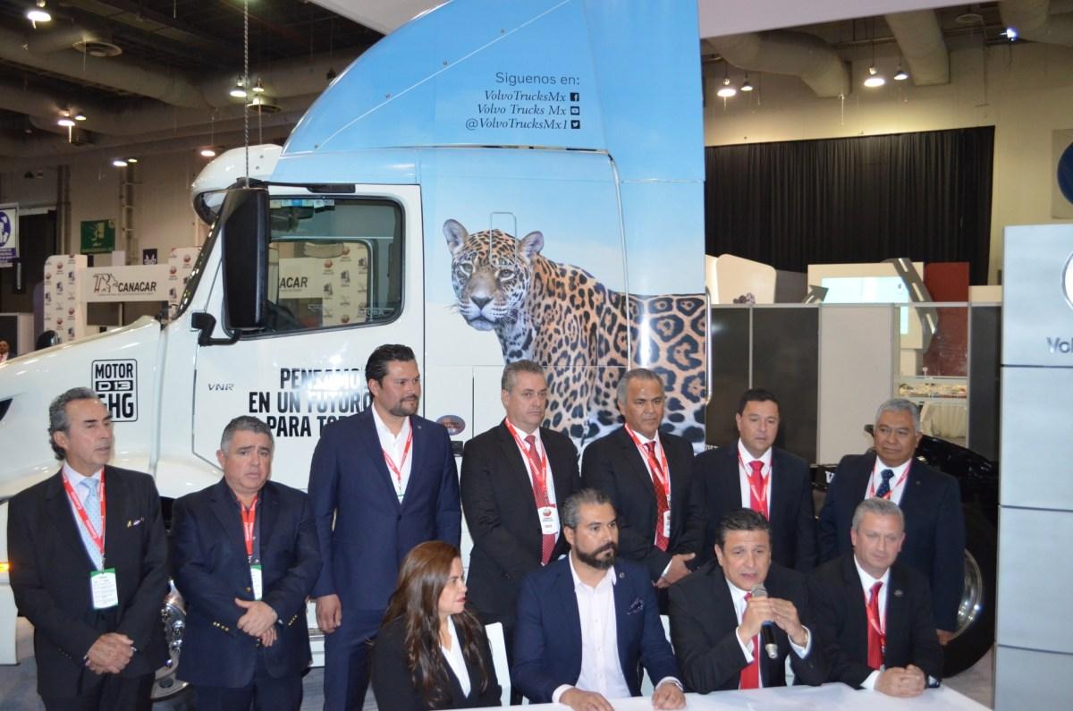 Volvo Trucks promueve la profesionalización del autotransporte