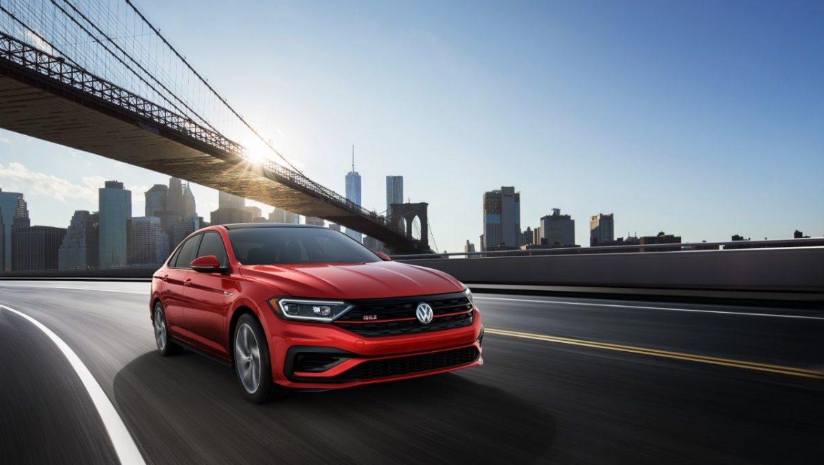 VW mantiene liderazgo en ventas gracias a plataformas digitales