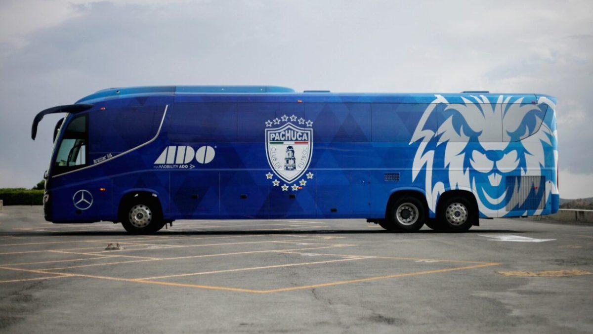 Mercedes-Benz Autobuses y Mobility ADO transportan a los Tuzos del Pachuca