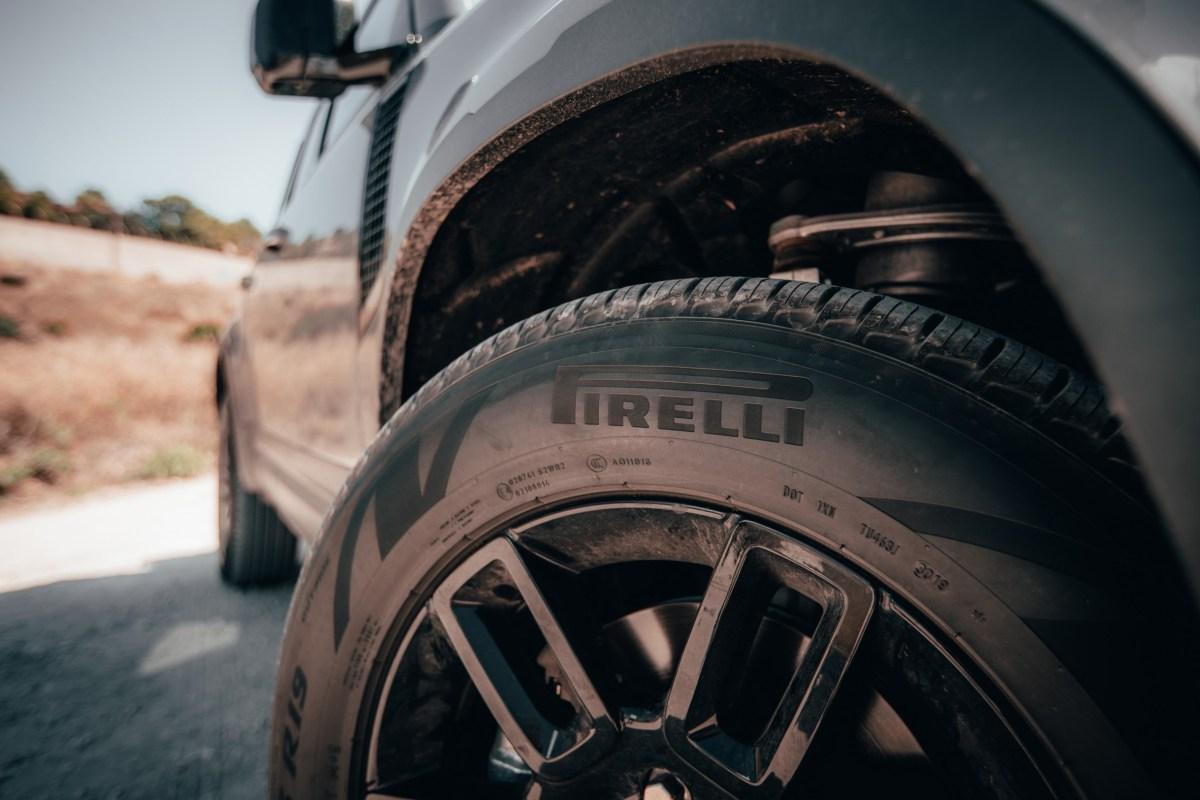 Pirelli desarrolla neumático para SUV Defender de Land Rover