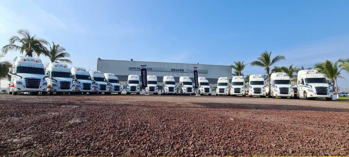 Adquiere Grupo Costa Verde 15 tractocamiones Freightliner Cascadia