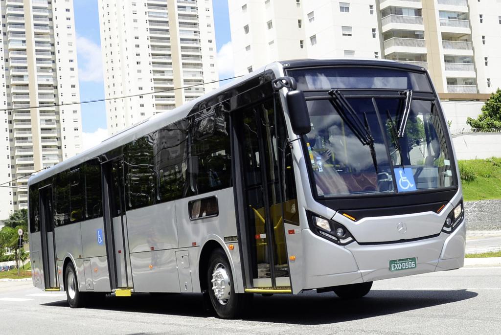 Lanza Daimler Buses autobús Mercedes-Benz Super Padron en Brasil