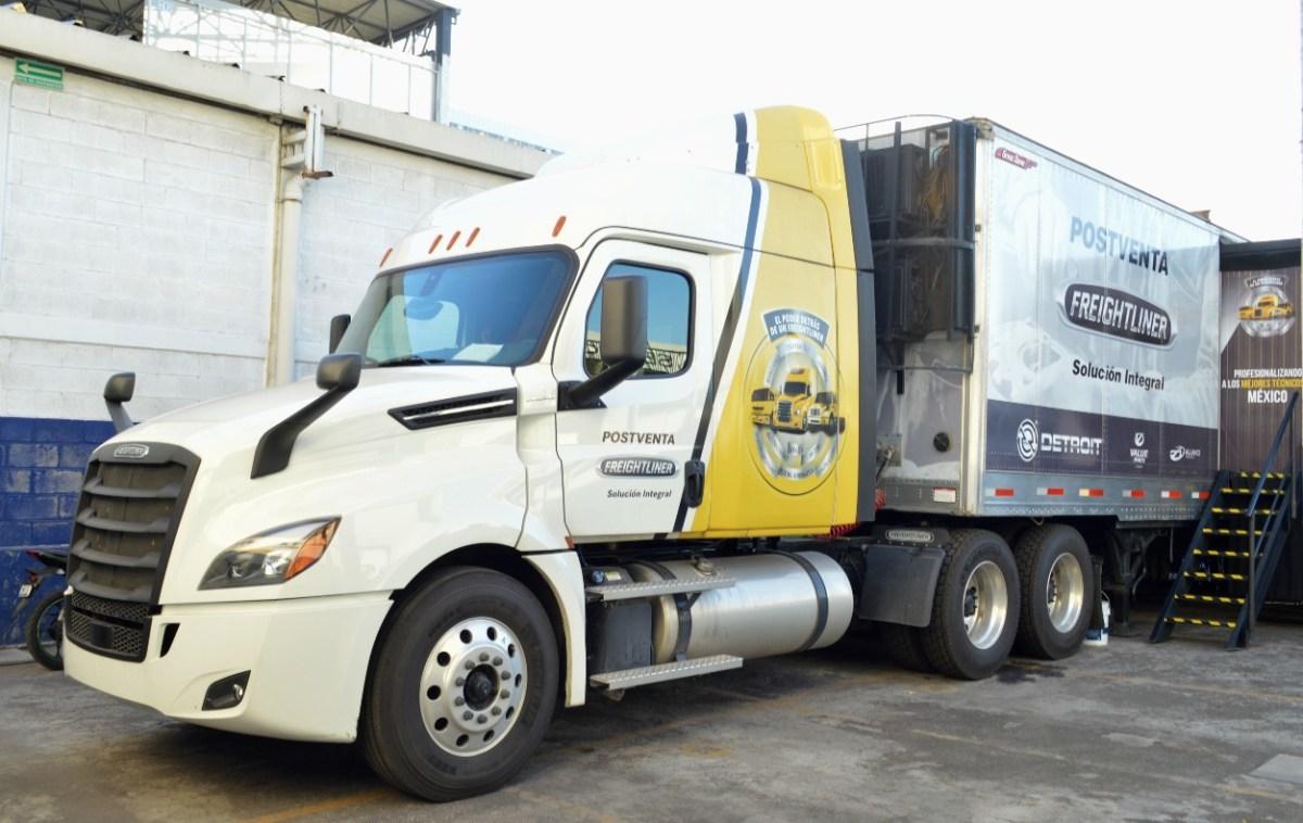 Retoma Freightliner gira para profesionalizar al transporte en México