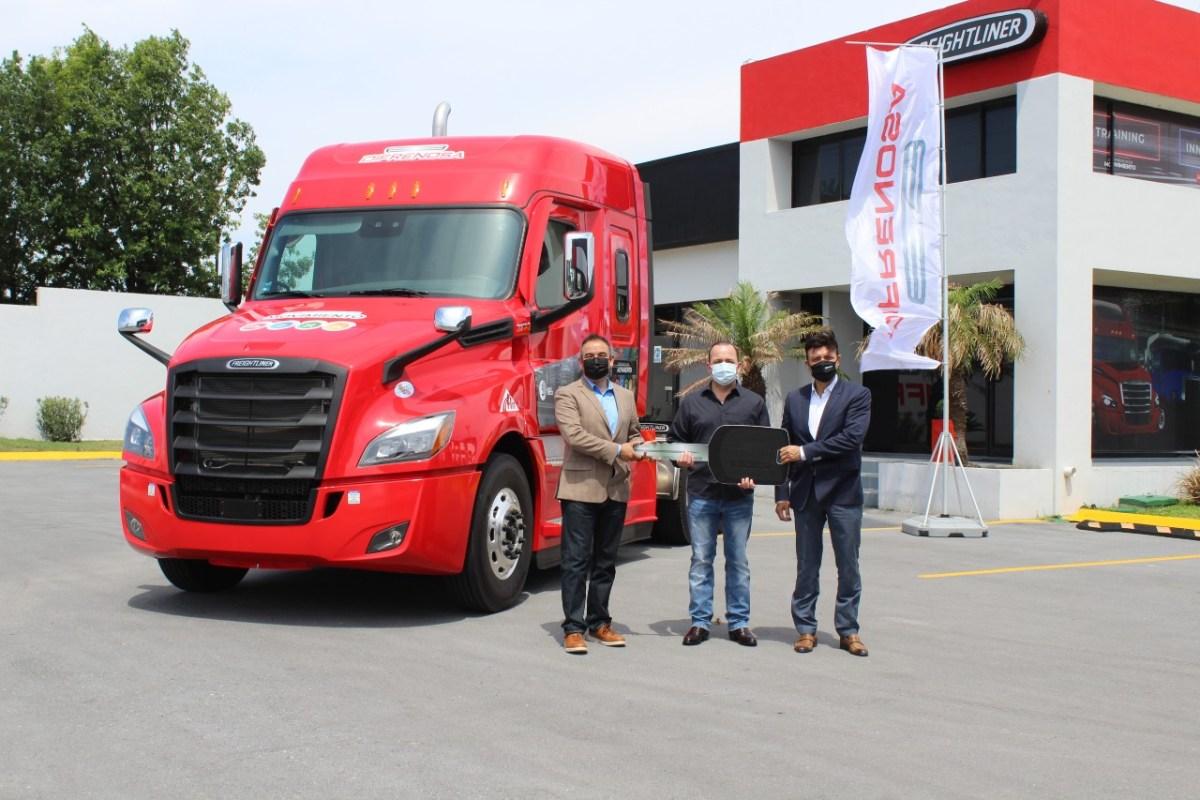 Integra TLN unidad Freightliner Alpa Truck a su flota