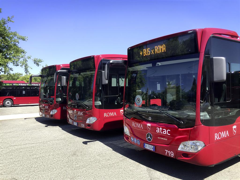 Entrega Mercedes-Benz 100 autobuses híbridos Citaro en Italia